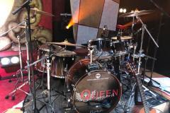 Queenmania-Rhapsody-backstage_3