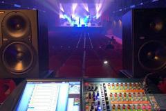 Queenmania-Rhapsody-backstage_7